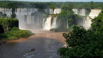 BREZİLYA-ARJANTİN-PARAGUAY ÜÇGENİNDE BİR DOĞA HARİKASI; IGUAZÚ